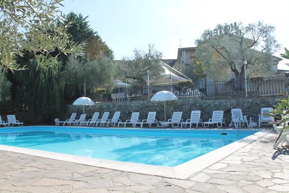 Hotel tre stelle con piscina chiusi chianciano terme toscana hotel ismaele - Hotel a castrocaro terme con piscina ...